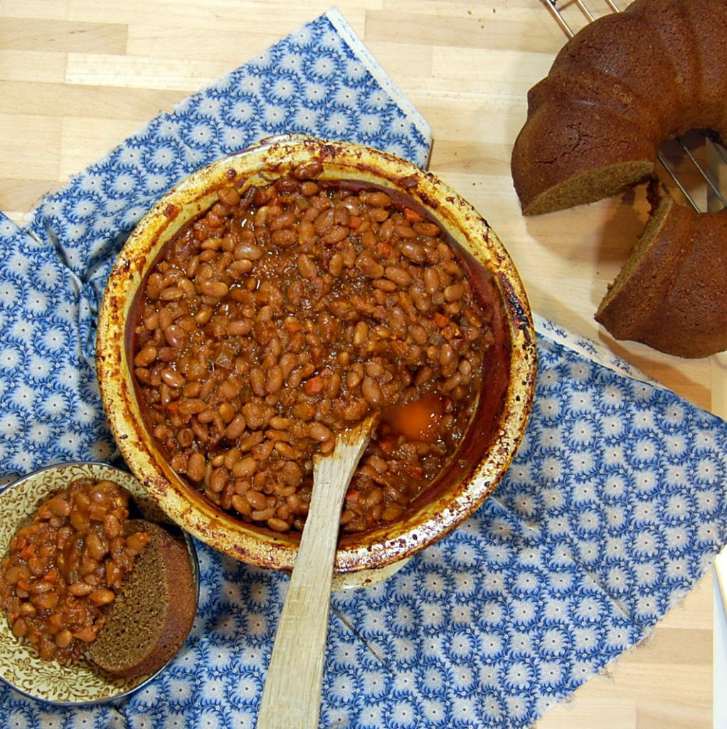 Vegetarian Boston Style Baked Beans Its Not Easy Eating